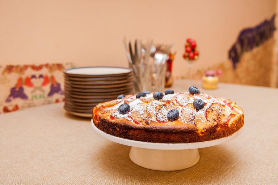Mūsmāju ābolu - melleņu kūka
