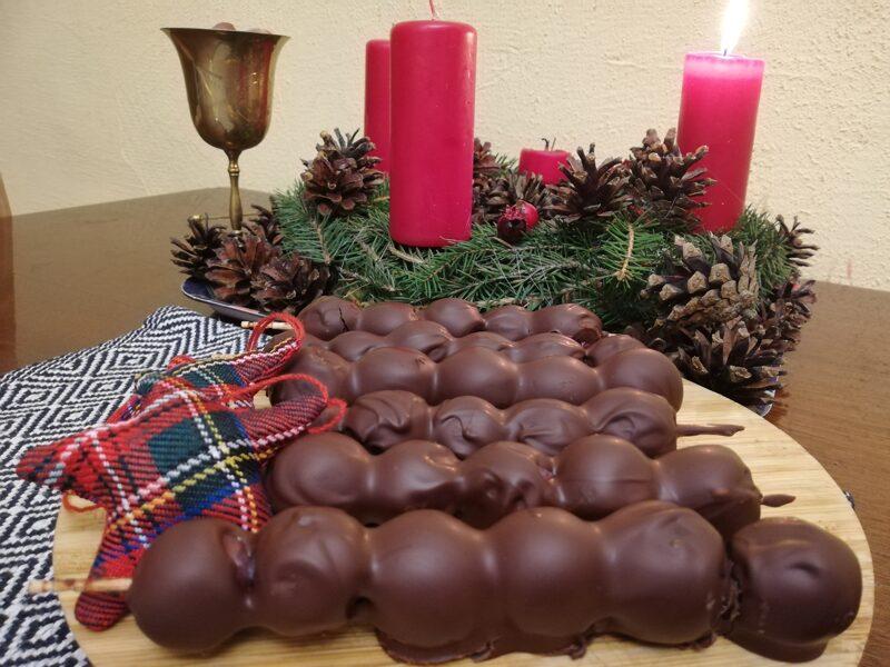 Iesmiņi ar vīnogām šokolādē (4 gab.)